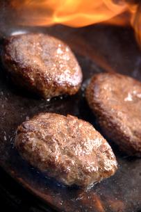 ハンバーグステーキの写真素材 [FYI02954327]
