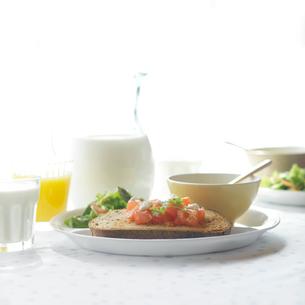 ワンプレートの朝食の写真素材 [FYI02955212]
