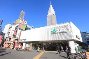 代々木駅の写真素材 [FYI02957749]