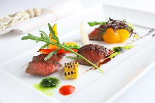黒毛和牛のステーキの写真素材 [FYI02957858]
