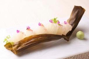 鯛の昆布締めの写真素材 [FYI02957922]