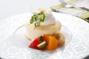 スフレチーズケーキの写真素材 [FYI02957967]