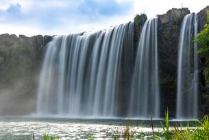 原尻の滝 スローシャッターの写真素材 [FYI02958107]