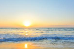 海と朝日の写真素材 [FYI02958563]