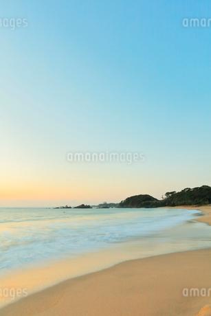 朝の海の写真素材 [FYI02958568]
