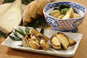 焼き筍と若竹煮の写真素材 [FYI02960168]