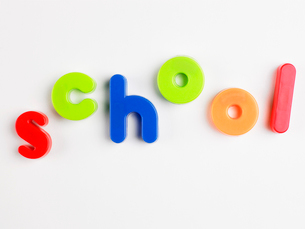 School in magnetic lettersの写真素材 [FYI02960271]