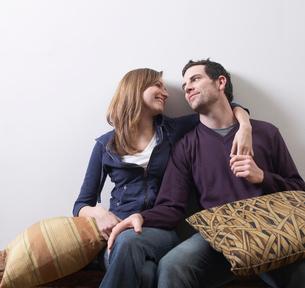 Couple Huggingの写真素材 [FYI02960803]