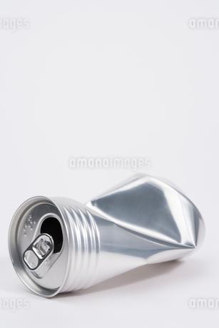 潰れた空き缶の写真素材 [FYI02961678]