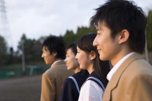 笑顔の高校生の写真素材 [FYI02964037]
