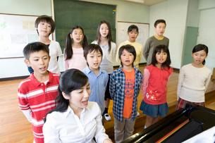 音楽の授業の写真素材 [FYI02964167]