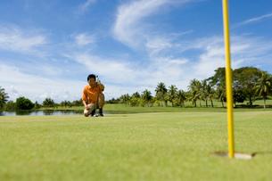 日本人男性ゴルファーの写真素材 [FYI02964605]