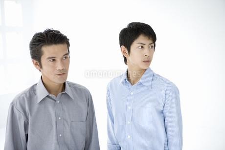 二人のビジネスマンの写真素材 [FYI02964837]