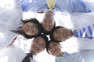 ビジネスマンとビジネスウーマンの写真素材 [FYI02965037]