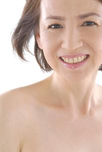 40代日本人女性のビューティーイメージの写真素材 [FYI02966335]