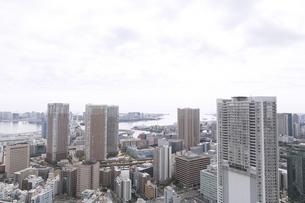 お台場方面ウォーターフロント港区芝からの眺めの写真素材 [FYI02966493]