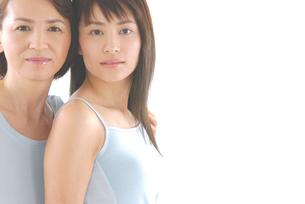 母と娘のビューティーイメージの写真素材 [FYI02966555]