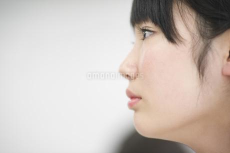 女子学生の横顔の写真素材 [FYI02968214]