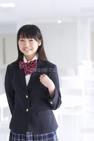 女子学生のポートレートの写真素材 [FYI02968426]