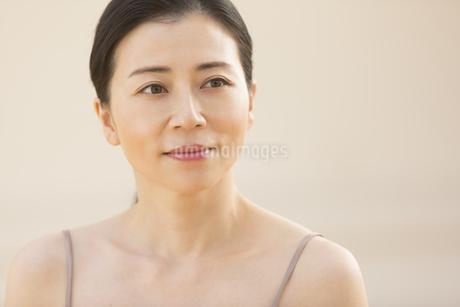 女性のポートレートの写真素材 [FYI02968698]