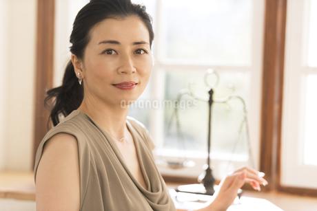 女性のポートレートの写真素材 [FYI02969506]