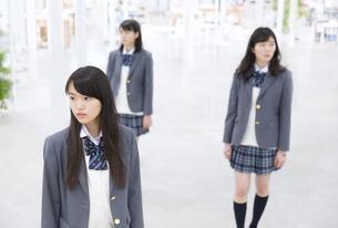 女子高校生たちのポートレートの写真素材 [FYI02970853]