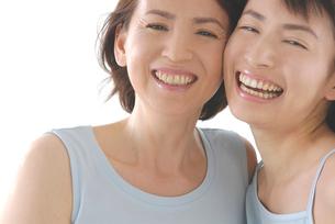母と娘のビューティーイメージの写真素材 [FYI02972039]