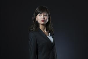 ビジネス女性のポートレートの写真素材 [FYI02973856]