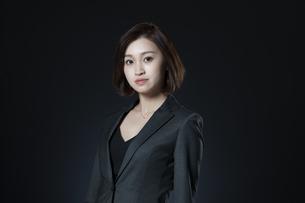 ビジネス女性のポートレートの写真素材 [FYI02973913]