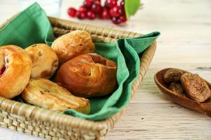 いろいろな調理パンの写真素材 [FYI02974285]