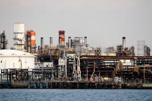 港の重工業地帯の写真素材 [FYI02974517]