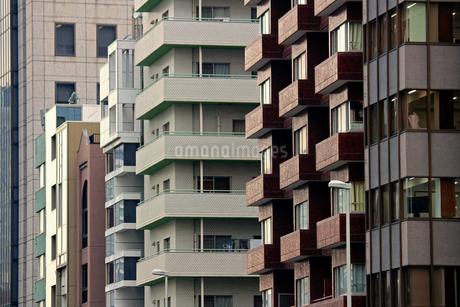 東京の様々なデザインのビルの写真素材 [FYI02974524]