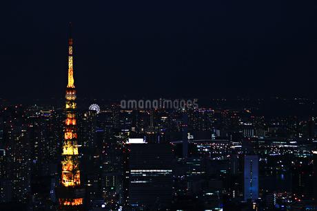 夜の街と東京タワーの写真素材 [FYI02974529]