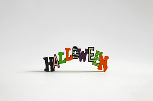 ハロウィンをイメージしたデコレーションの静物の写真素材 [FYI02974532]