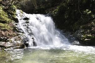 室久保川の的様の滝の写真素材 [FYI02974670]