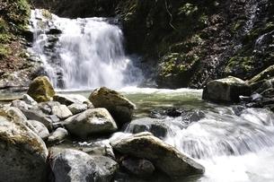 室久保川の的様の滝の写真素材 [FYI02974680]