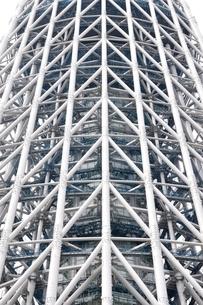 白い鉄骨の建物の写真素材 [FYI02975465]