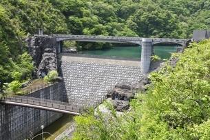 石小屋ダムの写真素材 [FYI02975860]