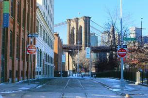 ブルックリンブリッジ 冬早朝の写真素材 [FYI02976068]