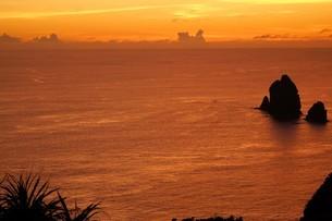 母島の夕焼けの写真素材 [FYI02976571]