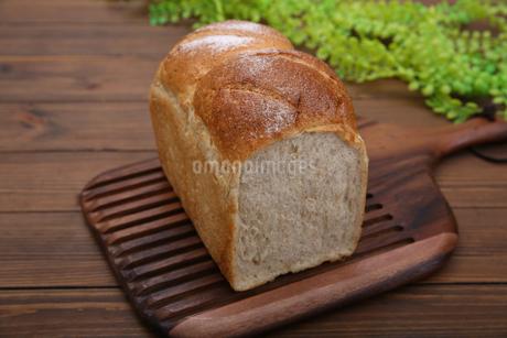 食パンの写真素材 [FYI02976731]