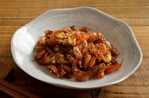 海老とクルミの佃煮の写真素材 [FYI02976737]