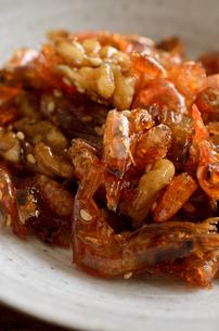 海老とクルミの佃煮の写真素材 [FYI02976741]