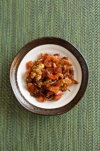 海老とクルミの佃煮の写真素材 [FYI02976746]