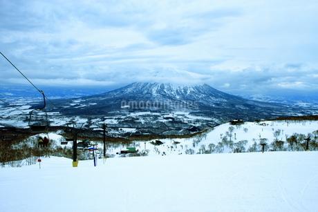 ニセコヒラフスキー場冬景色の写真素材 [FYI02977090]