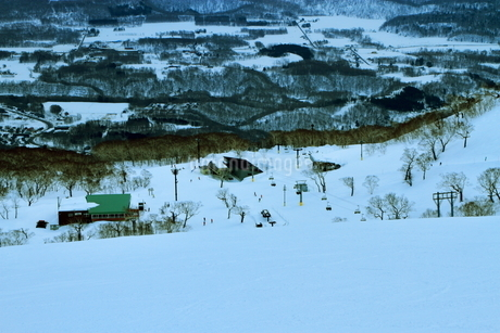 ニセコヒラフスキー場冬景色の写真素材 [FYI02977093]
