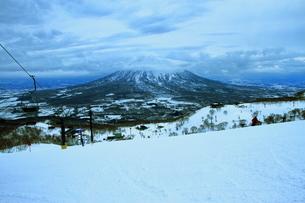 ニセコヒラフスキー場冬景色の写真素材 [FYI02977098]