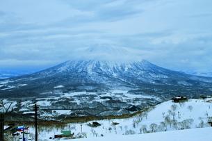 ニセコヒラフスキー場冬景色の写真素材 [FYI02977106]