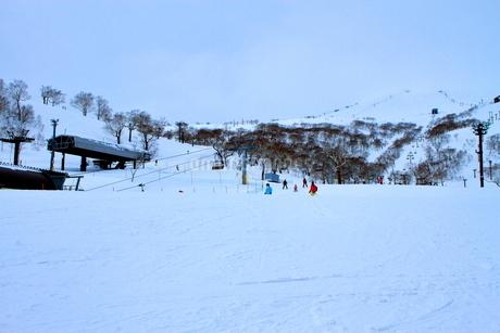 ニセコヒラフスキー場冬景色の写真素材 [FYI02977120]