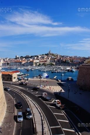 フランス・マルセイユの街並みの写真素材 [FYI02977384]